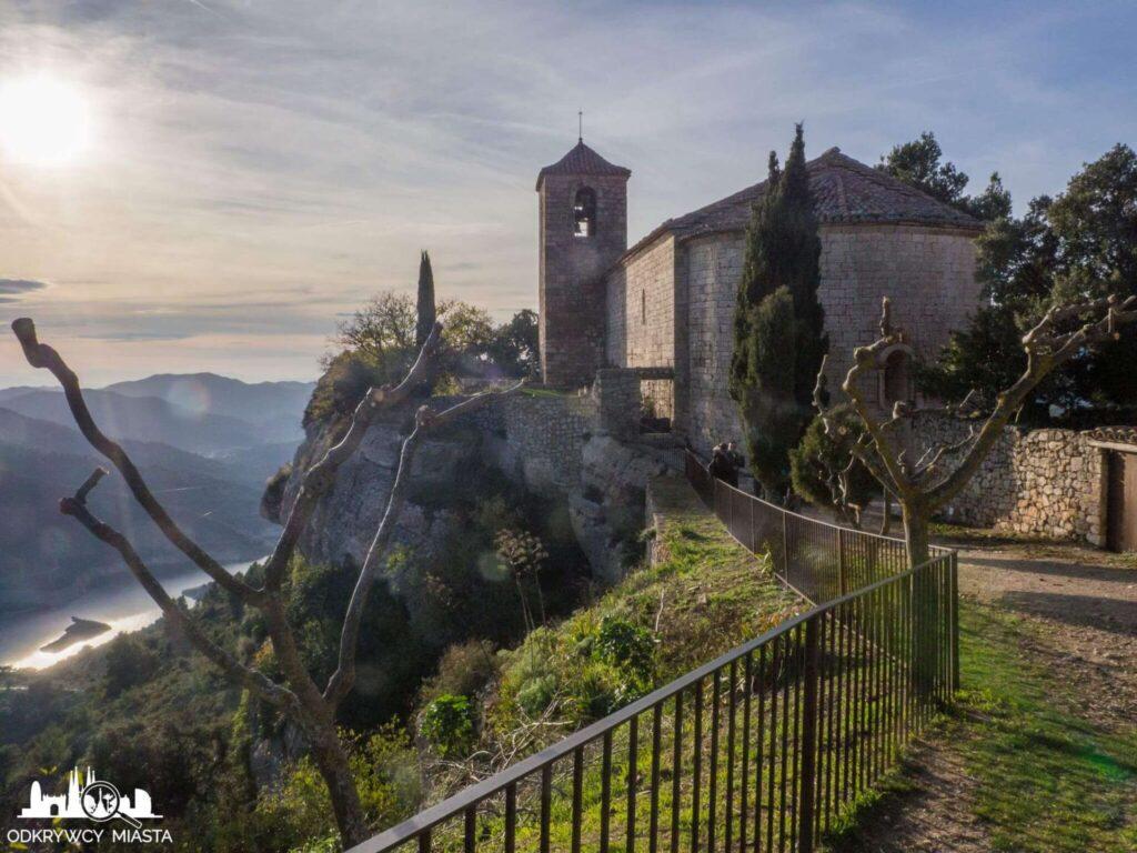 siurana widok na kościół