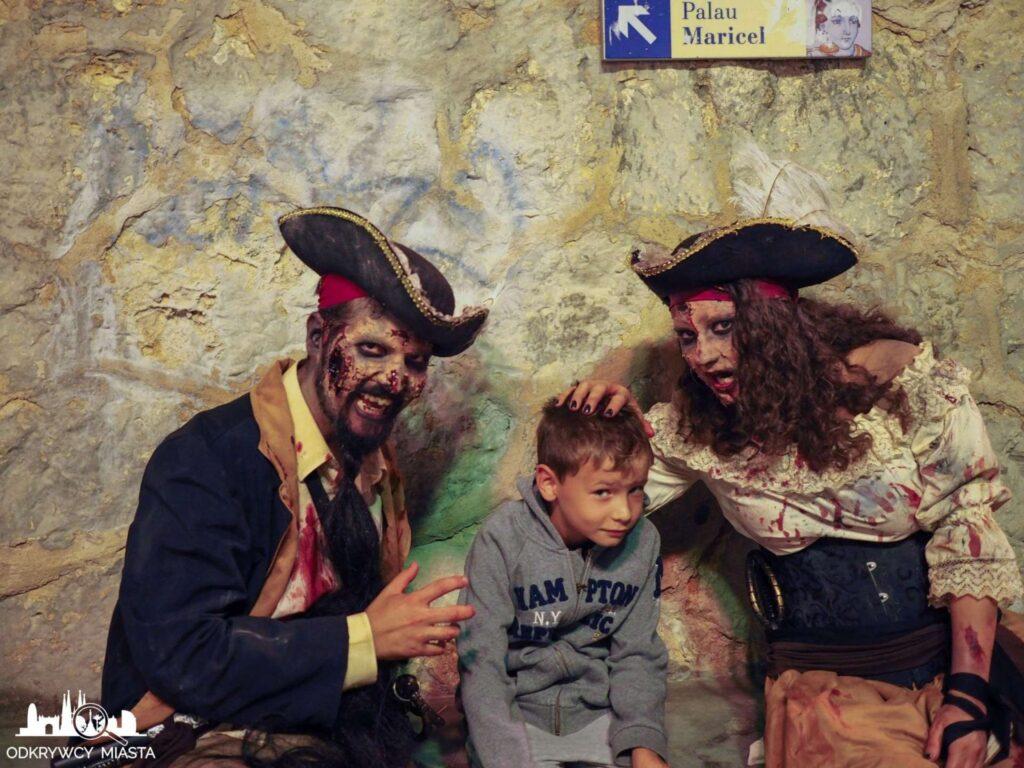 wysyp żywych trupów piraci