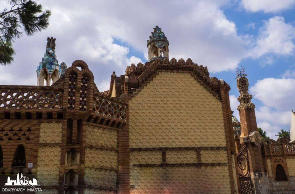 Pawilony Guell ściana boczna