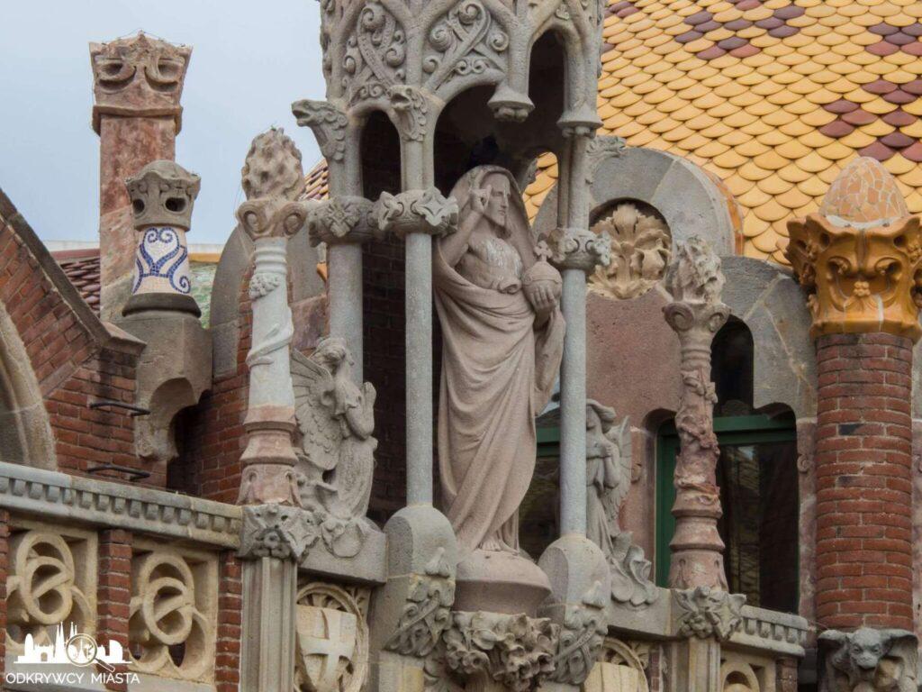 szpital św pawła barcelona rzeźba patrona budynku