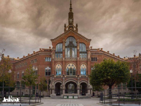 szpital św pawła barcelona budynek główny od strony dziedzińca szpitalnego