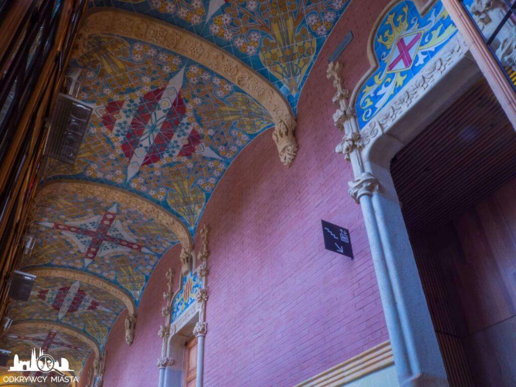szpital św pawła barcelona przyozdobiony mozaiką sufit