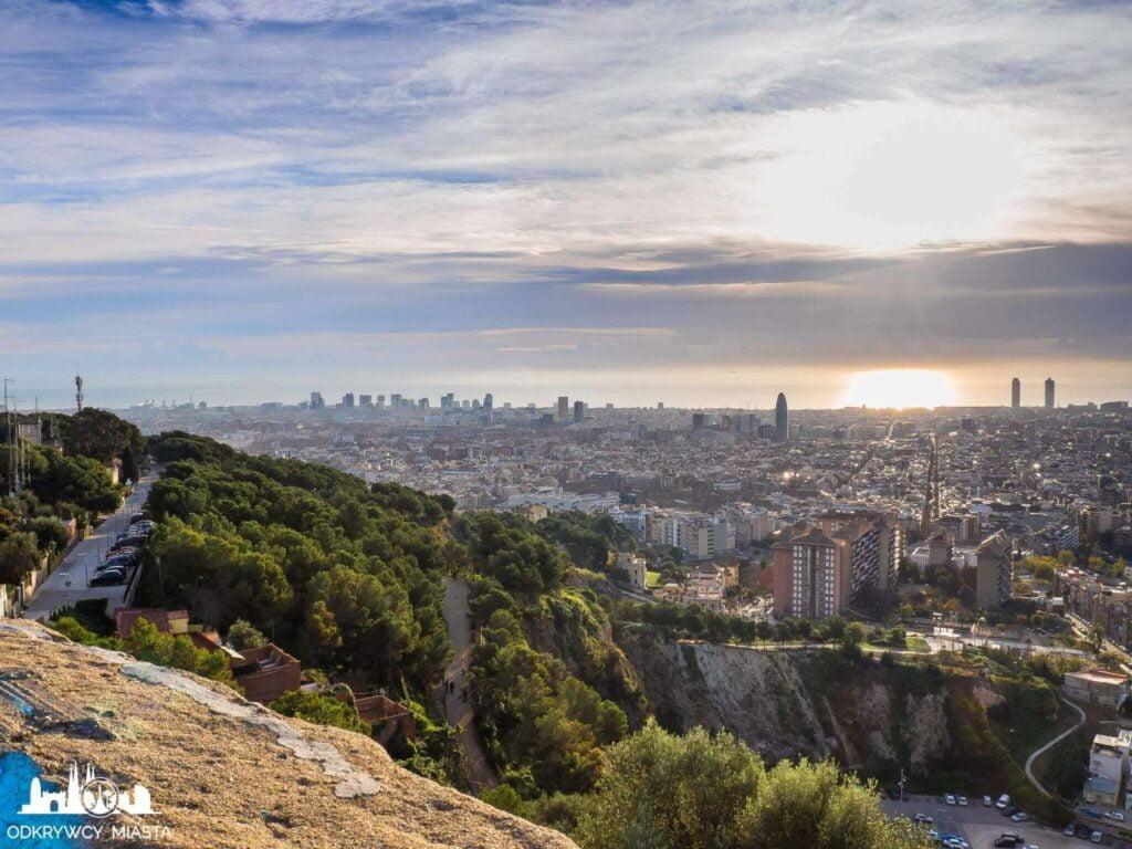 Bunkry del Carmel widok na barcelonę i dzielnicę poblenou
