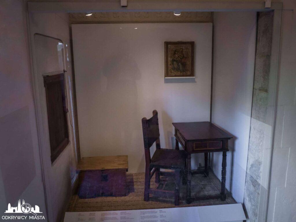 klasztor Pedralbes bardzo mała cela modlitewna