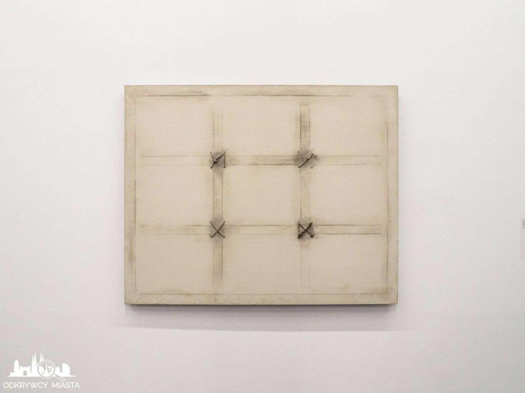 Antonio tapies obraz rzypominający planszę do gry kółko i krzyżyk