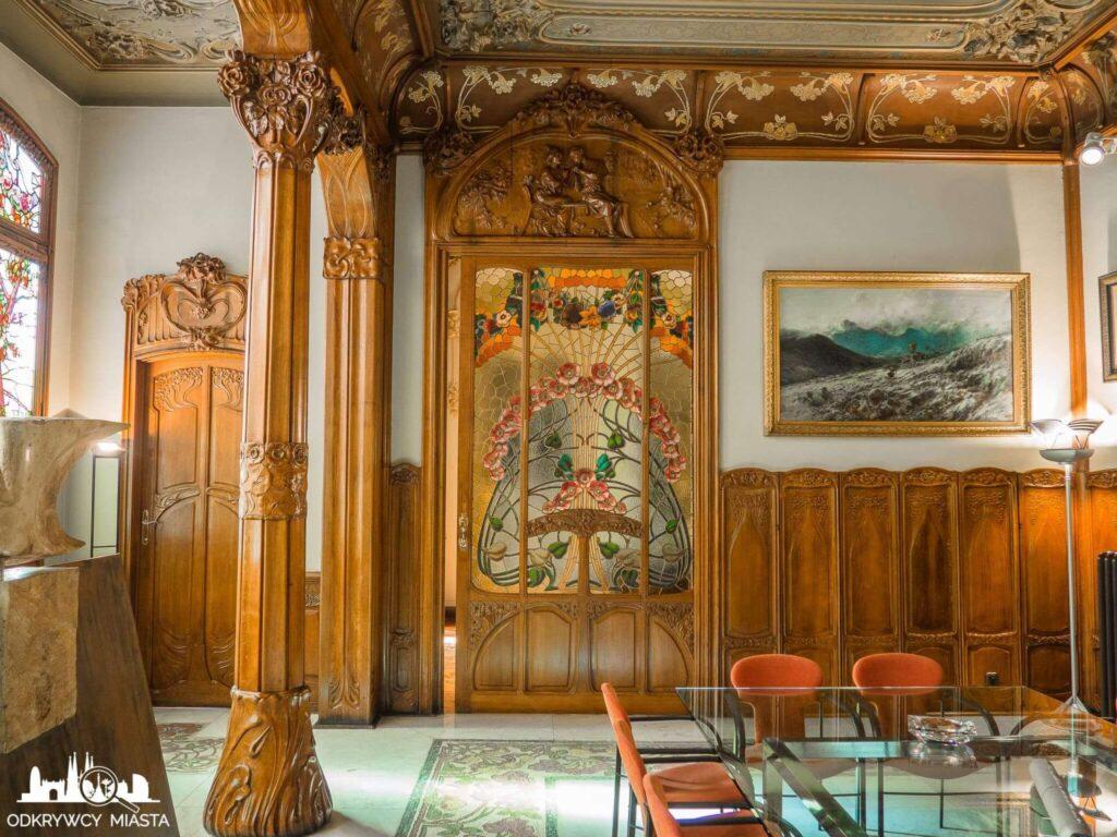 Casa Felip drzwi z witrażem w jadalni