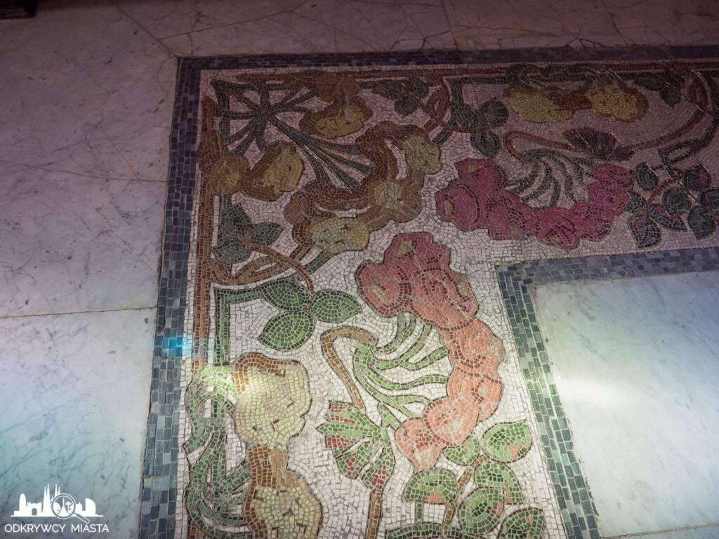 Casa Felip mozaika na podłodze