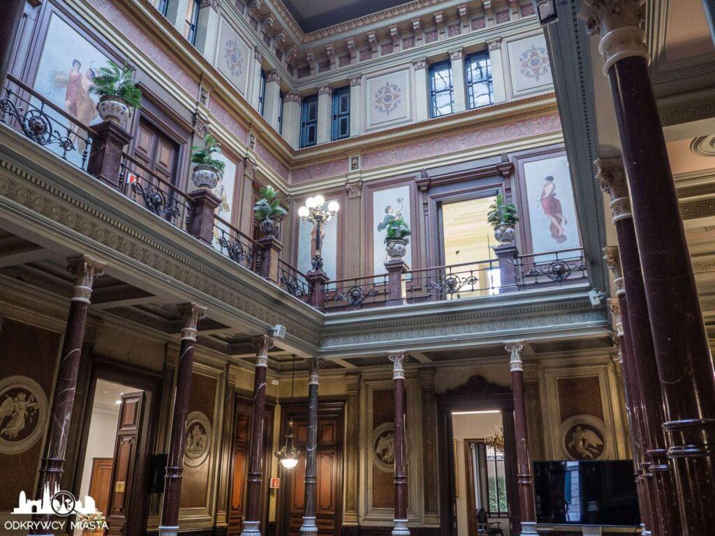 Pałac casades główna sala z kolumnami