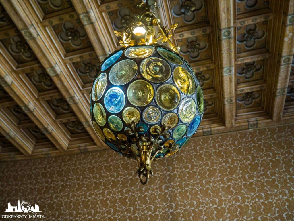 casa amatller lampa w złotym pokoju