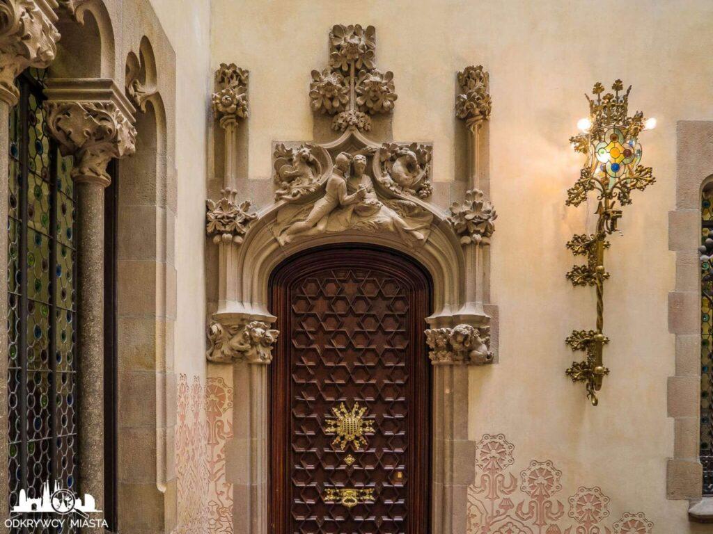 casa amatller drzwi wejsciowe do apartamentu rodziny amatller