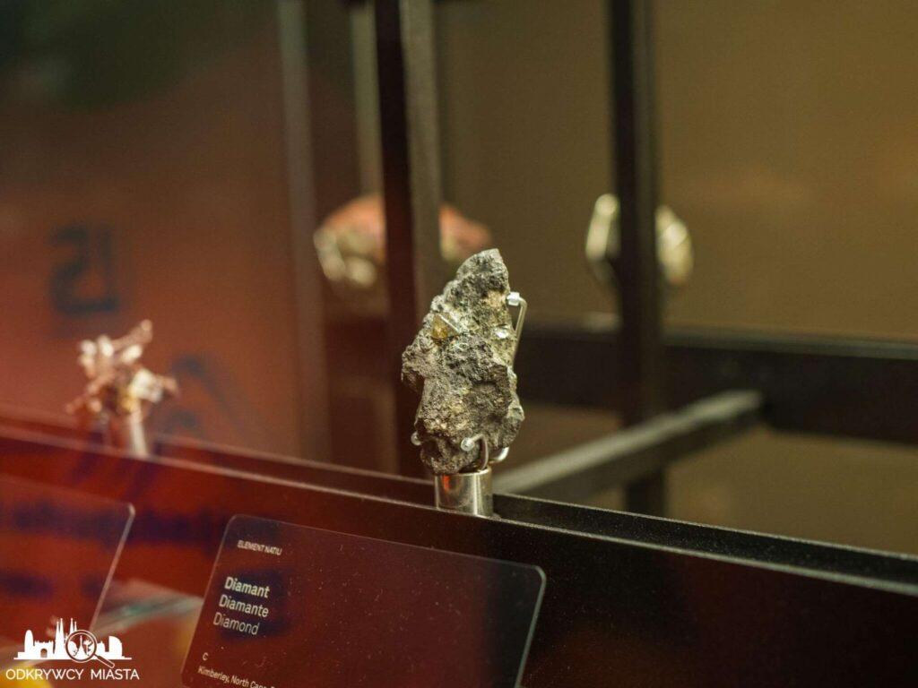 Muzeum Historii Naturalnej diament w skale