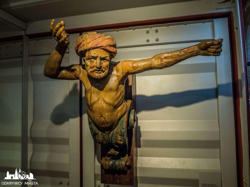 muzeum morskie rzeźba z galery