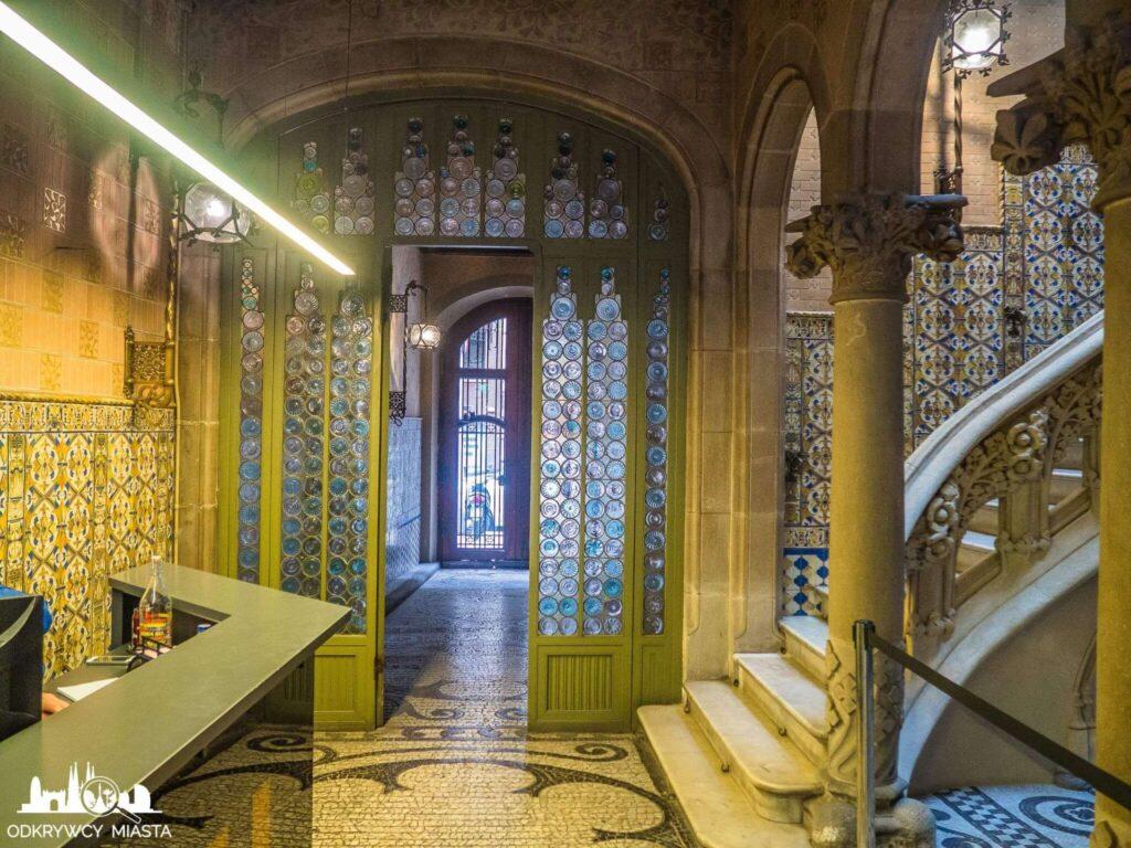 Pałac Baron de Quadras korytarz główny