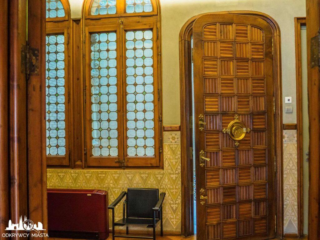 Pałac Baron de Quadras drzwi wejściowe