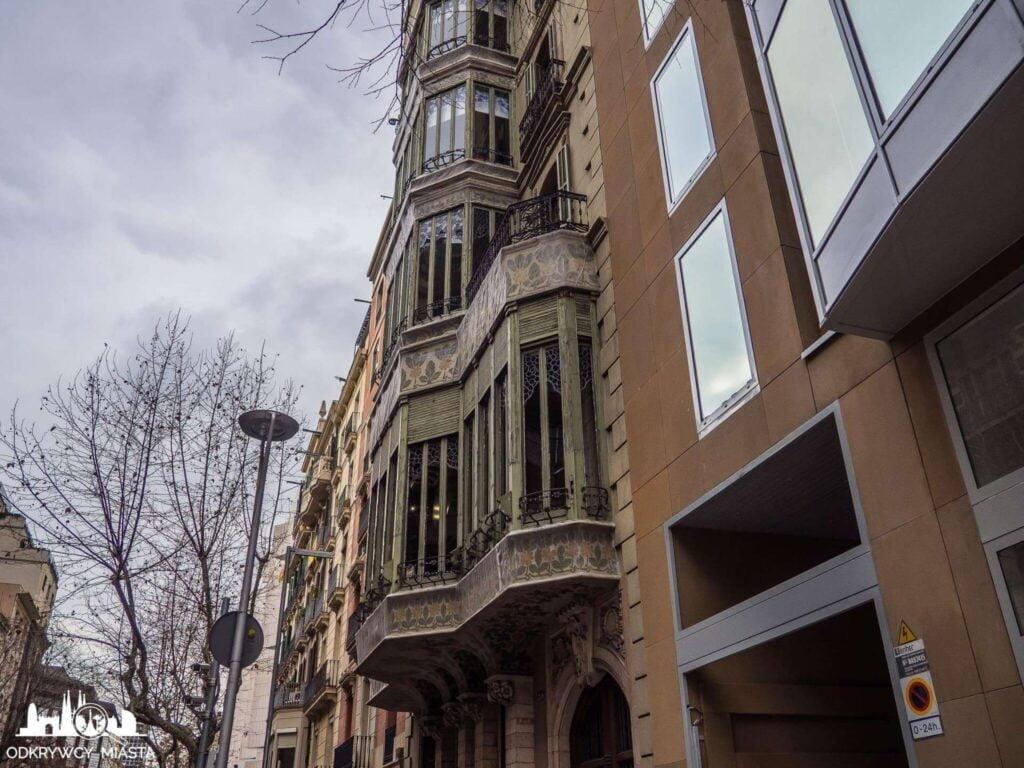 Pałac Baron de Quadras fasada z tyłu budynku