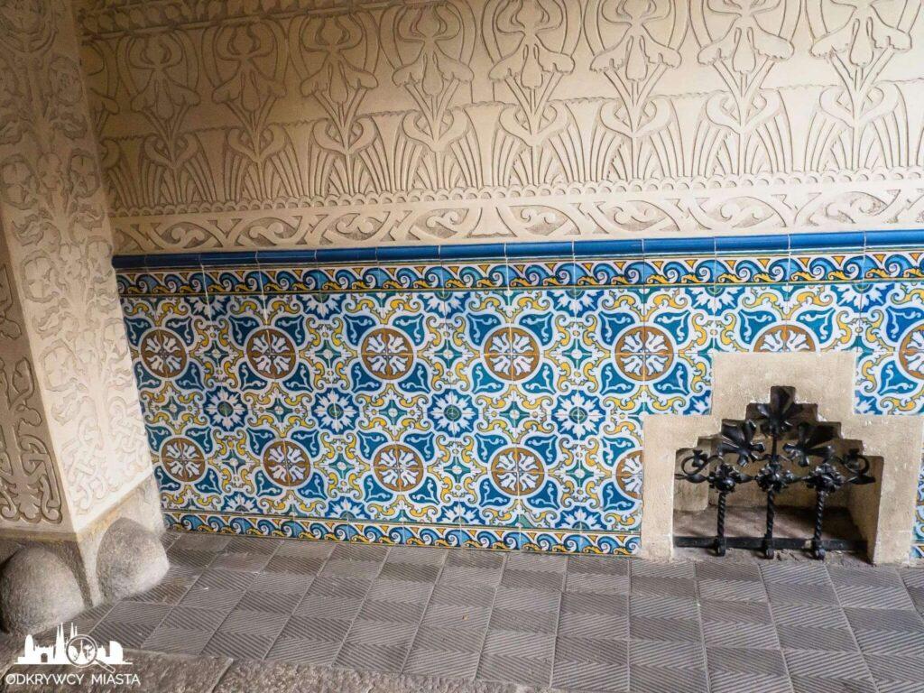 palau macaya ściana ze zdobieniami