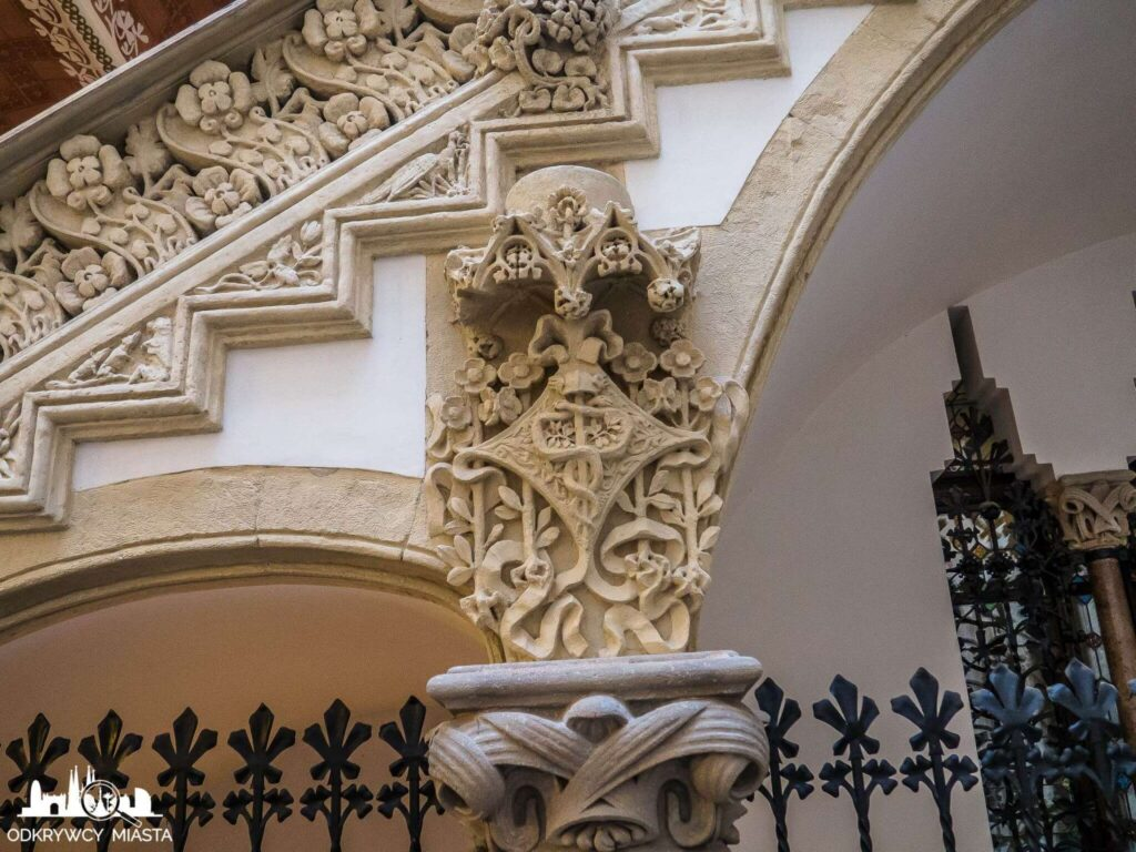 palau macaya symbol hermesa w kamieniu