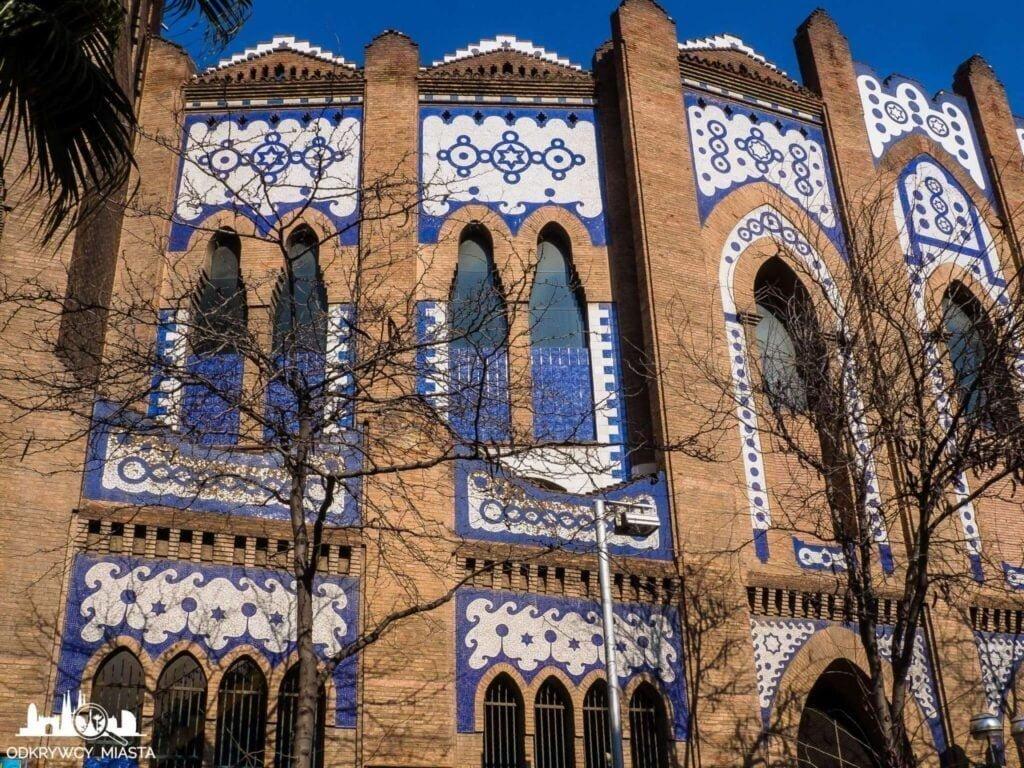 Monumental arena byków fasada budynku