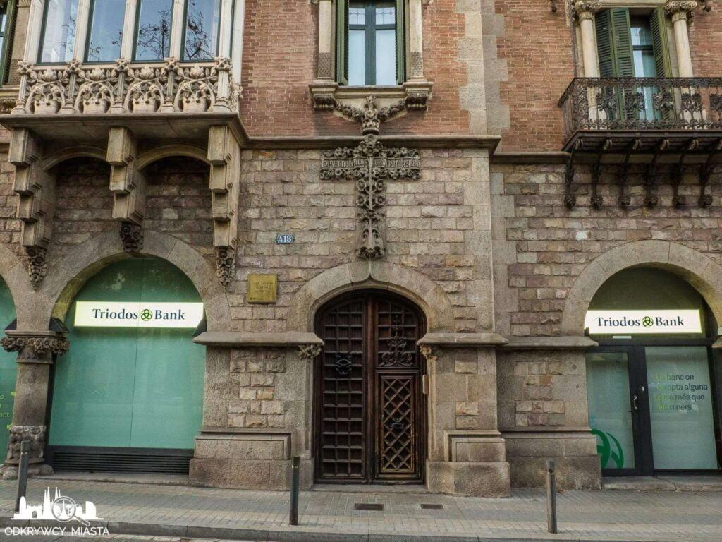 Casa Punxet wejście do budynku