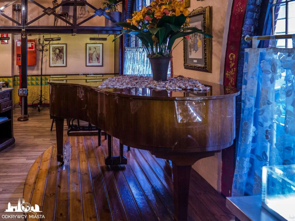 el 4 gats restauracja modernistyczna fortepian