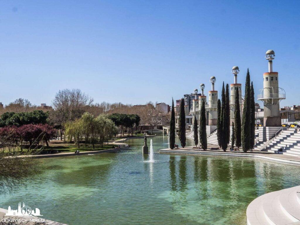 Park ze smokiem sans jezioro w parku