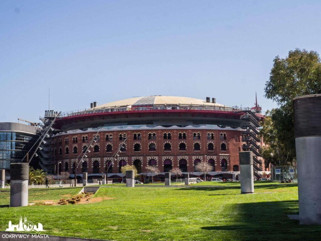 Park joan miro widok na arenas de Barcelona