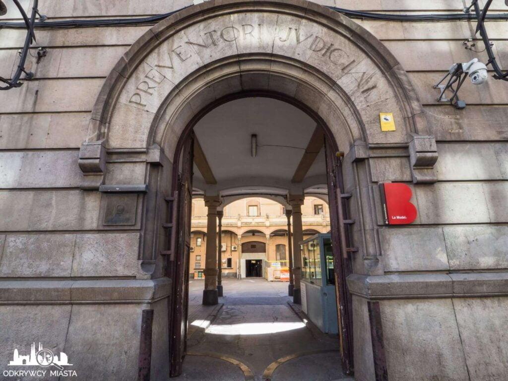 La Modelo więzienie w Barcelonie wejście główne