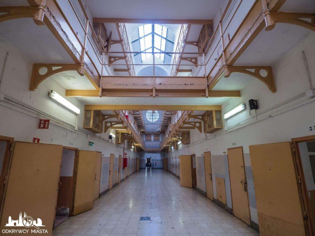 La Modelo więzienie w Barcelonie blok więzienny z celami