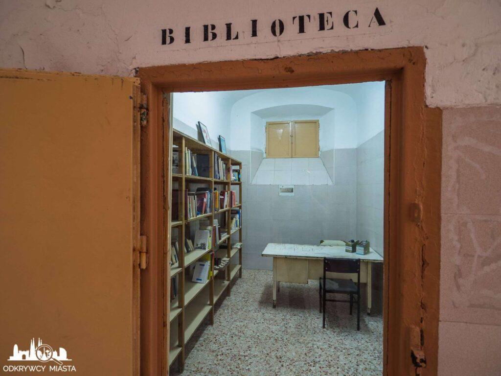 La Modelo więzienie w Barcelonie biblioteka więzienna