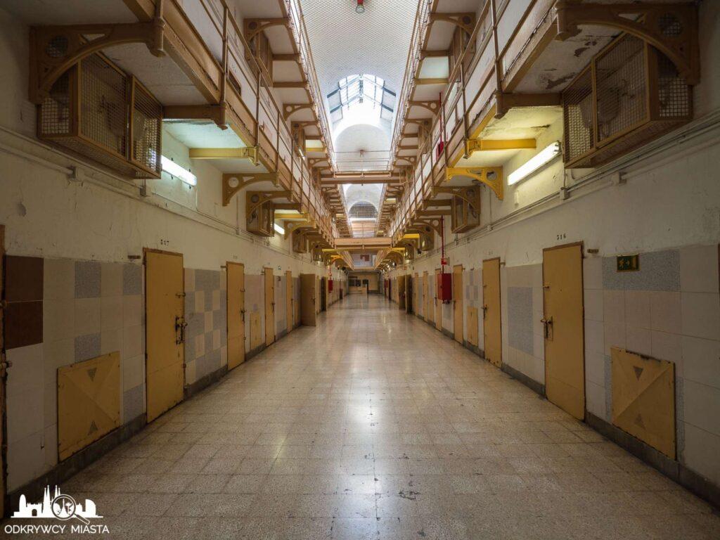 La Modelo więzienie w Barcelonie blok więzienny 3 poziomy