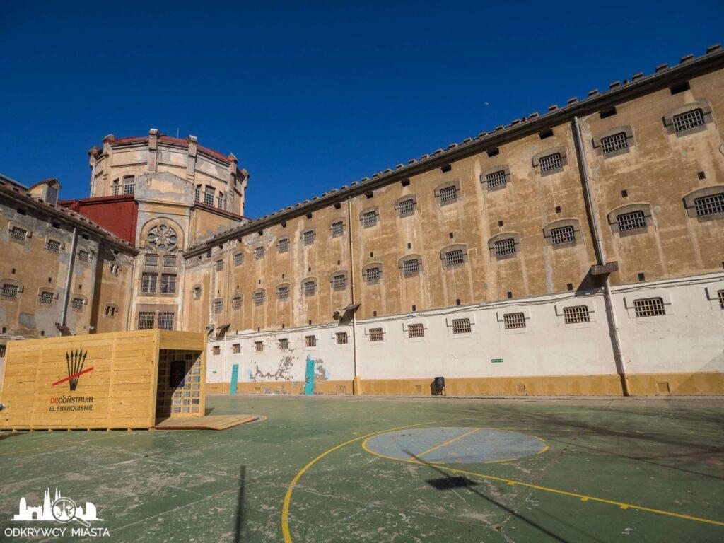La Modelo więzienie w Barcelonie dzidziniec i skrzydło bloku