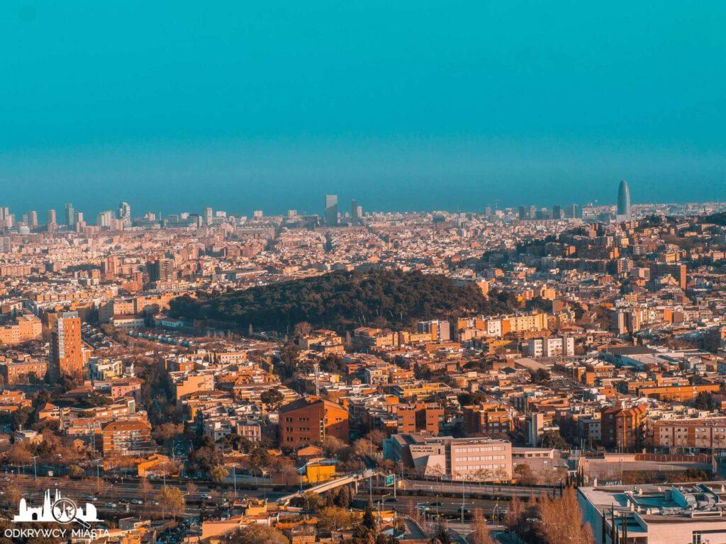 Punkt widokowy w Barcelonie Horta widok na poble nou