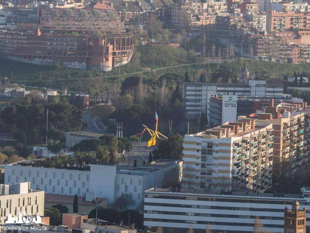 Punkt widokowy w Barcelonie Horta rzezba zapałek w dzielnicy