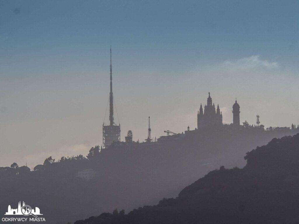 Punkt widokowy w Barcelonie Horta tibidabo i wieża collserola