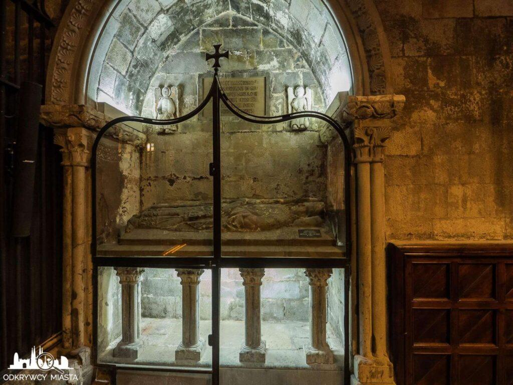 Katedra św. Eulali płyta nagrobna w kaplicy św. łucji