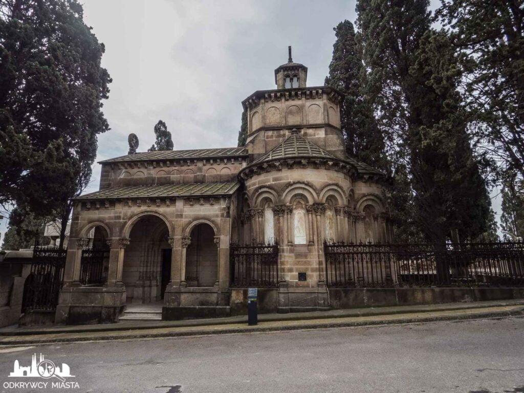 Cmentarz na wzgórzu Montjuic kaplica grobowiec rodziny amatller