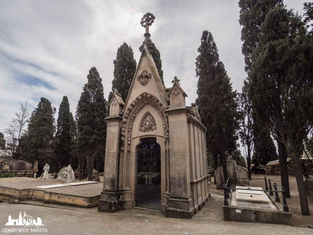 Cmentarz na wzgórzu Montjuic brbowiec kaplica
