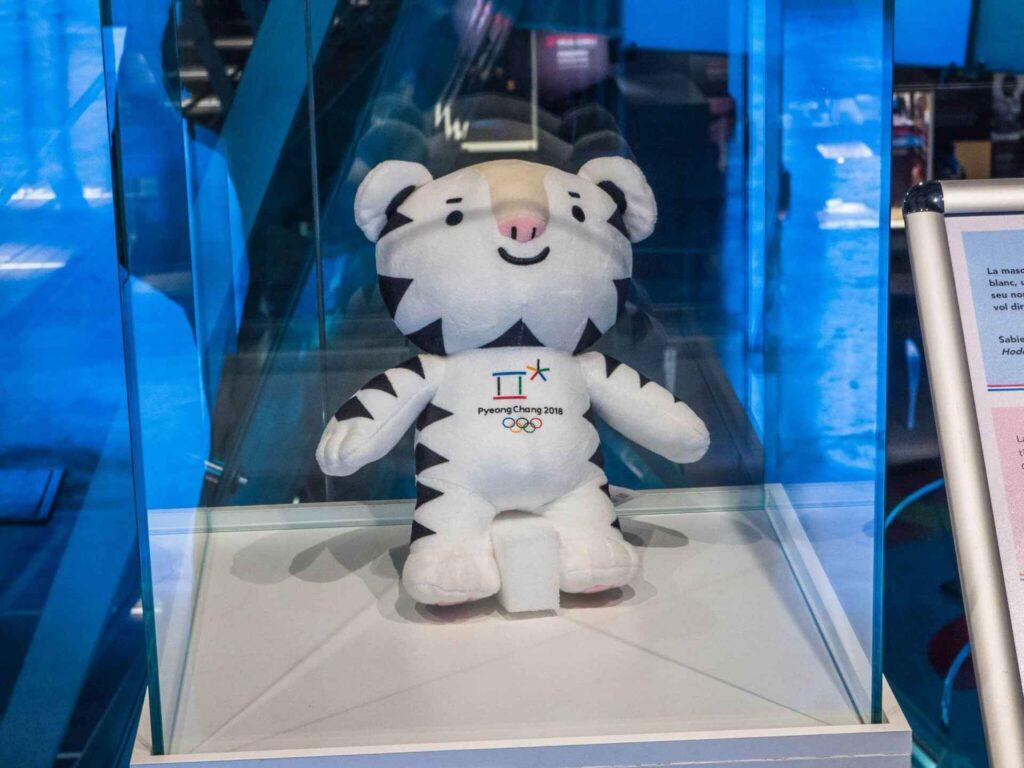 Muzeum olimpijskie w Barcelonie maskotka z IO Pyeong chang 2018