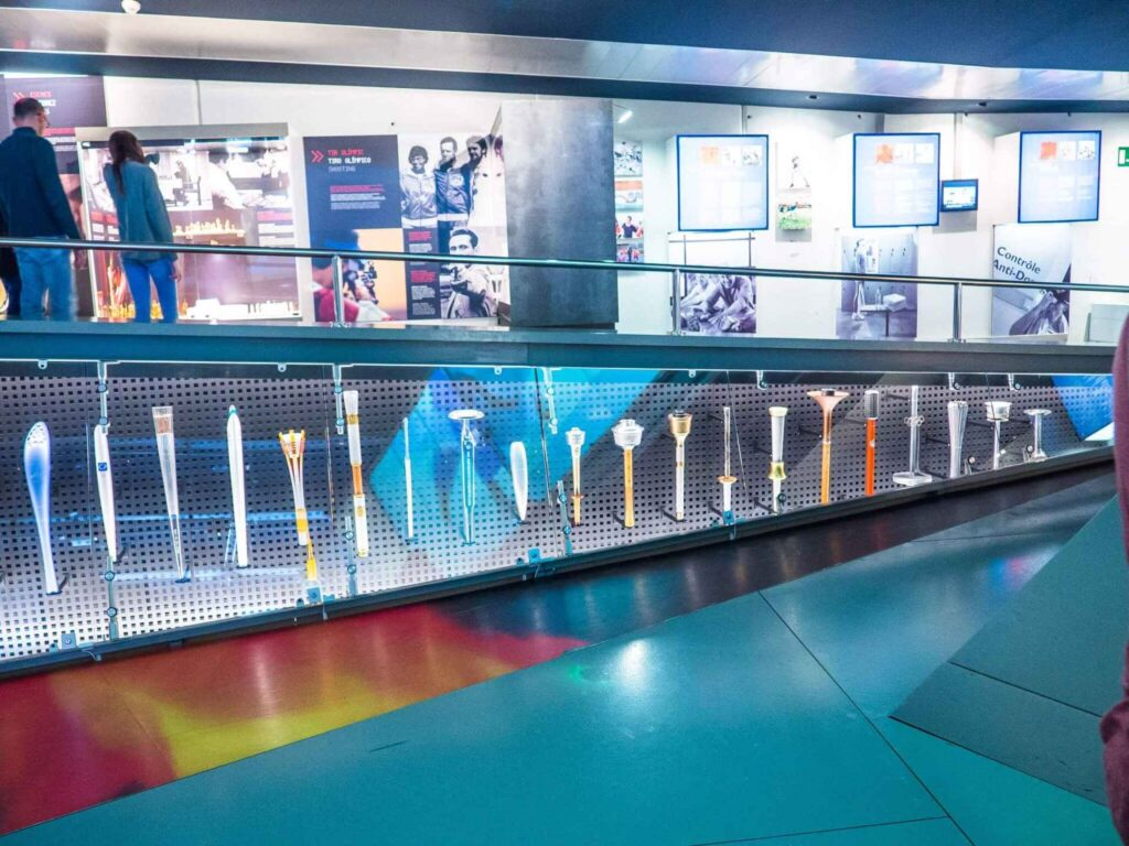 Muzeum olimpijskie w Barcelonie pochodnie olimpijskie