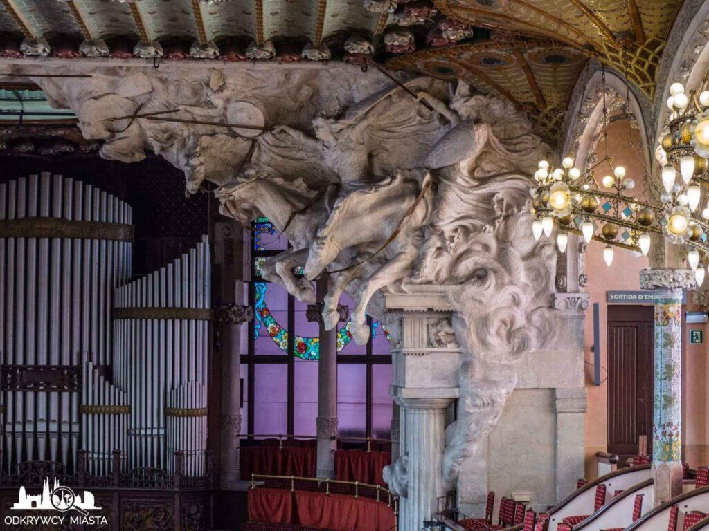 pałac muzyki katalońskiej 4 konie symbolizujące muzykę