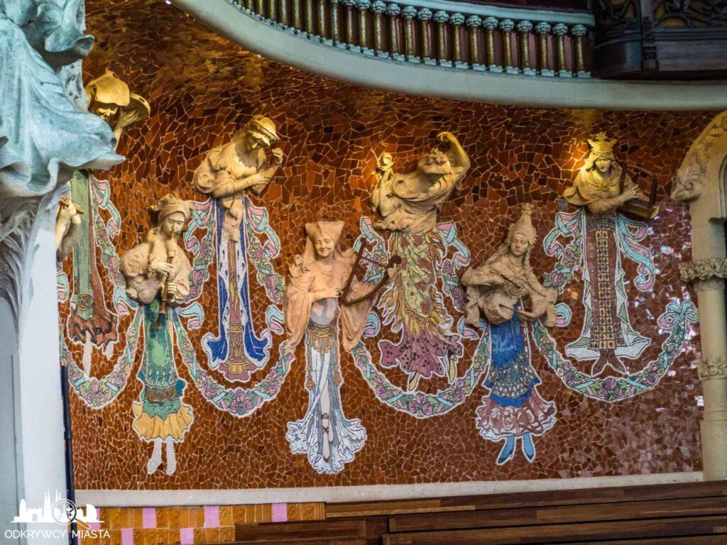 pałac muzyki katalońskiej muzy grające na instrumentach