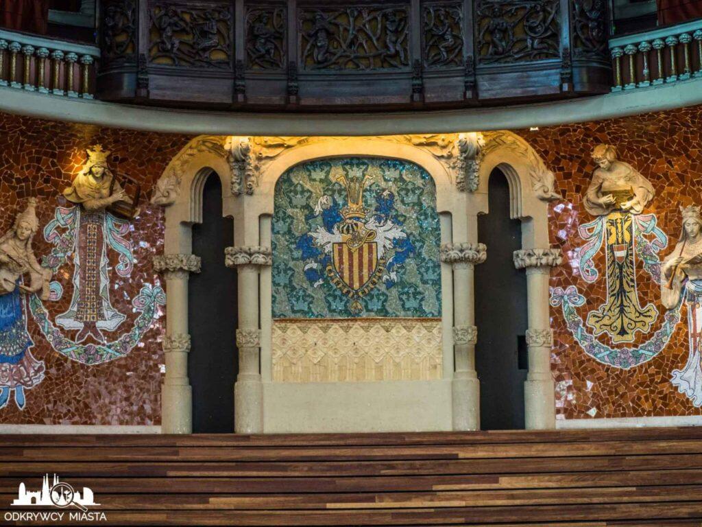 pałac muzyki katalońskiej scena z herbem katalonii
