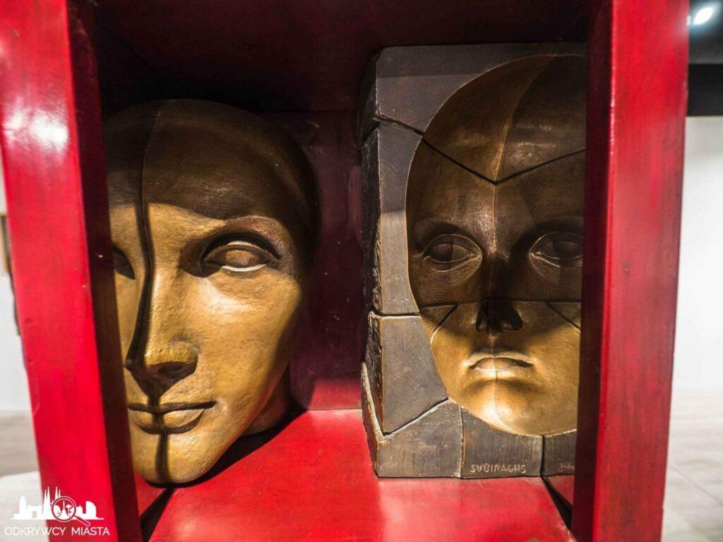 espai subirachs sztuka twójwymiarowej rzeźby