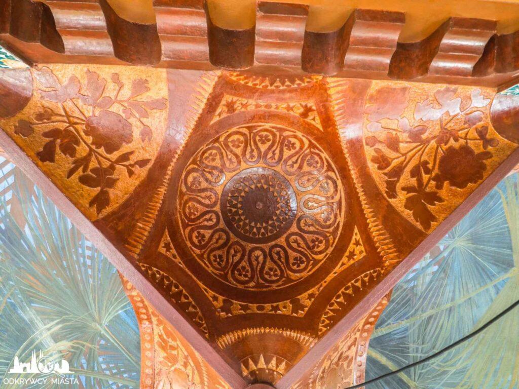 casa vicens bogato zdobiony element dekoracyjny