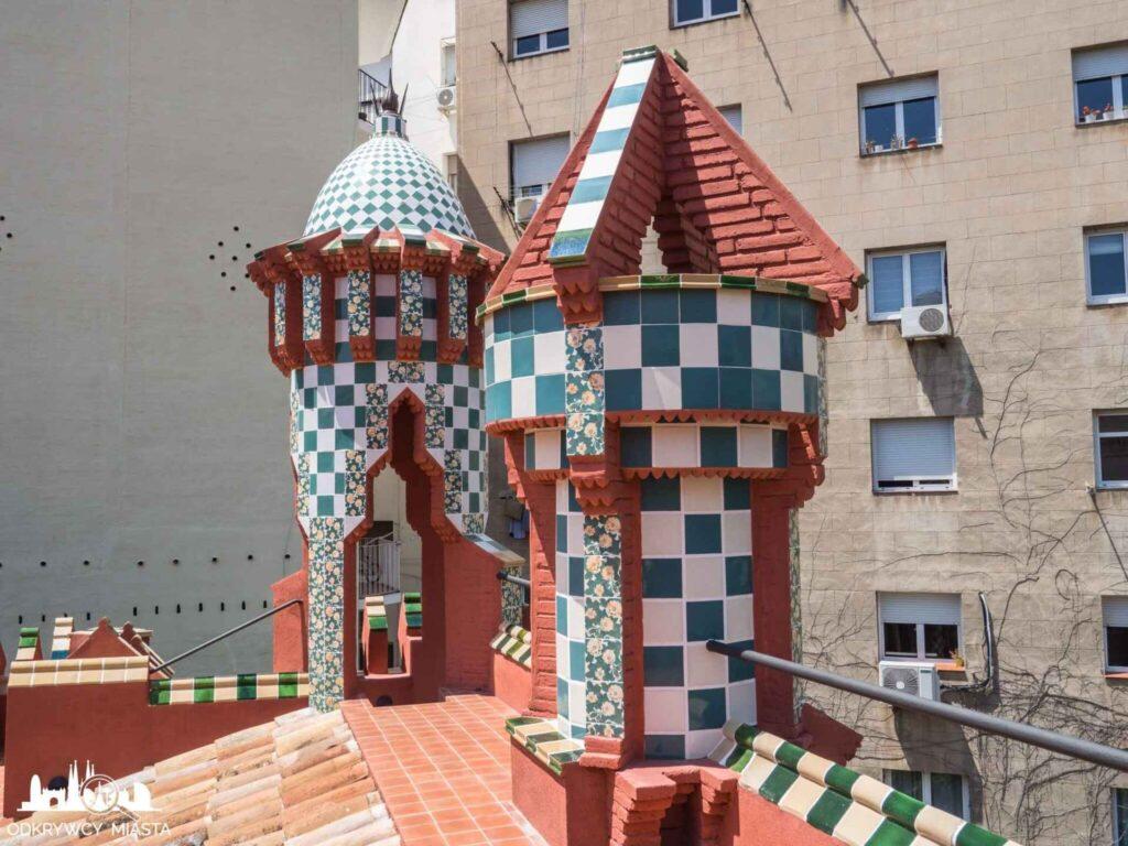 casa vicens wieżyczki na dachu