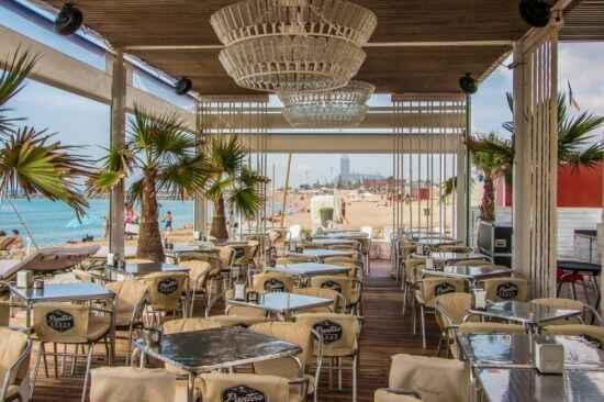 Beach bar wnętrze baru