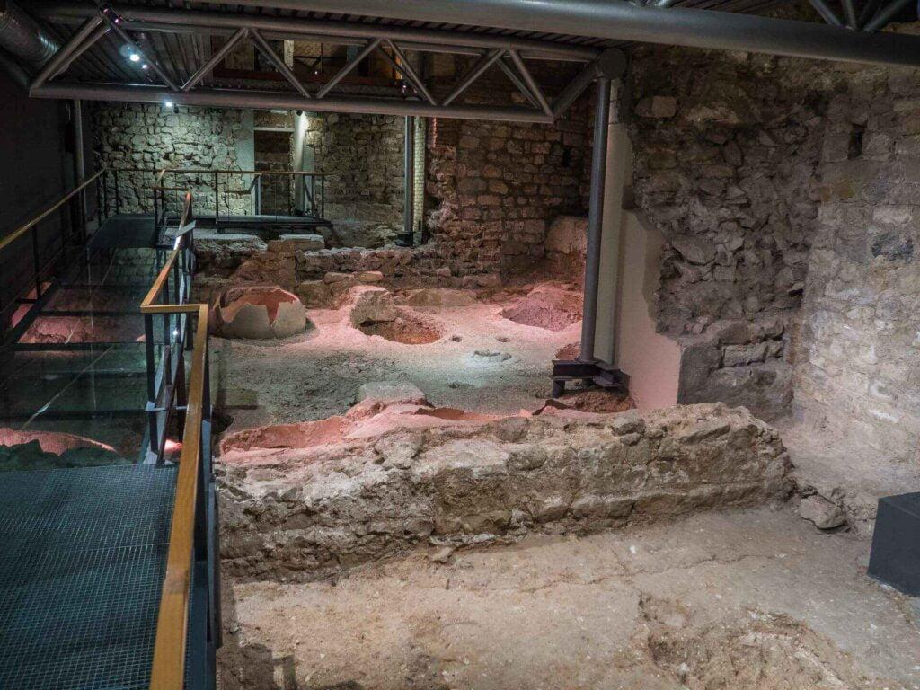 muzeum historii miasta Barcelona  zbiorniki na wino