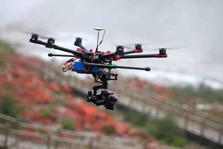 latać dronem w Barcelonie